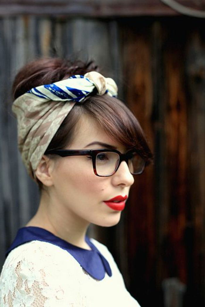 Bandana hairstyles - brown hair pinning up, rmake up in retro style