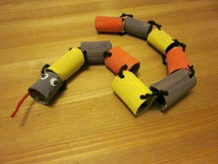 Craft Ideas-with-toilet rolls-a-snake