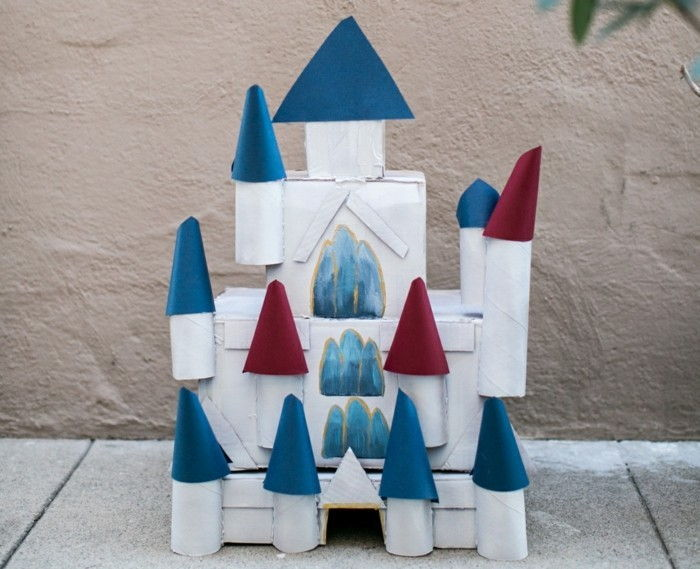 Tinker-with-toilet rolls-a-castle