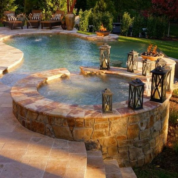 -The Garden with-a-great-runden.Jacuzzi-make