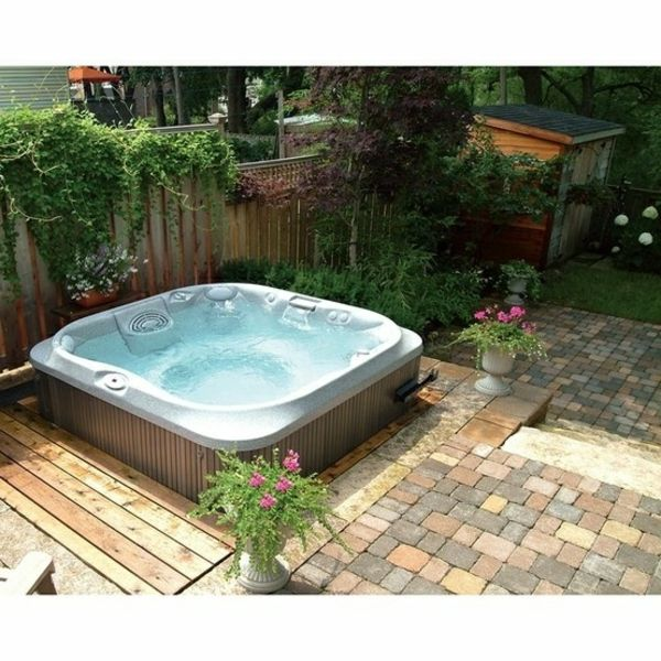 A super-modern whirlpool in the garden - have