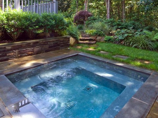 A super-modern-square-whirlpool in the garden