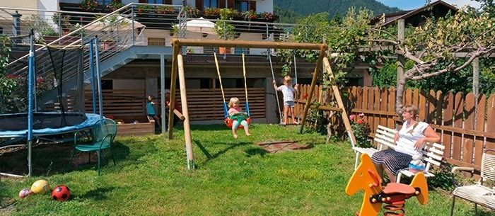 Landscaping Ideas-for-kids-a-great-decoration