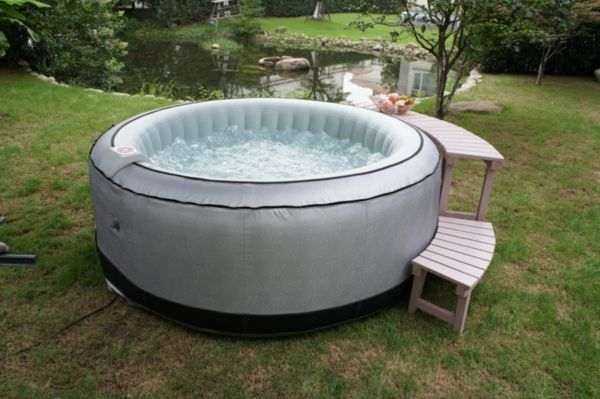 Design ideas-for-the-perfect-garden with Jacuzzi