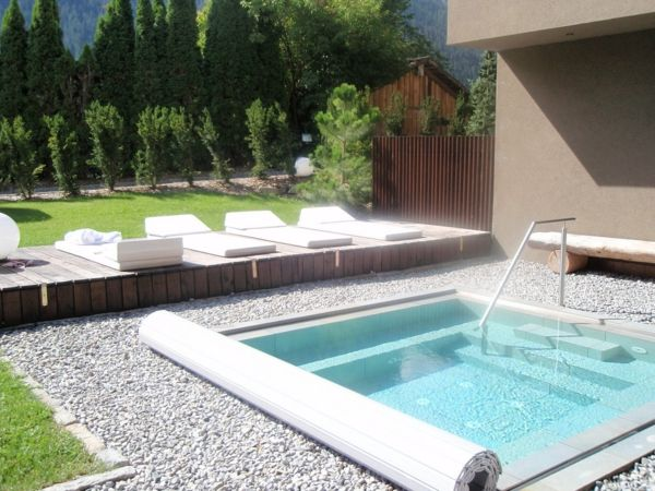 -Creation ideas-for-the-perfect-garden-with-a-jacuzzi-idea
