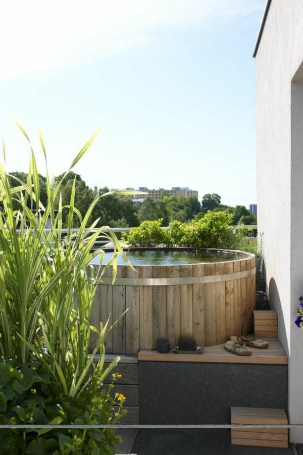 -Creation ideas-for-the-perfect-garden-with-a-whirlpool-wood