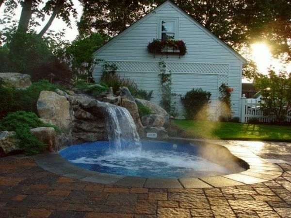 -Creation Ideas-for-the-perfect-garden-with-a- Jacuzzi