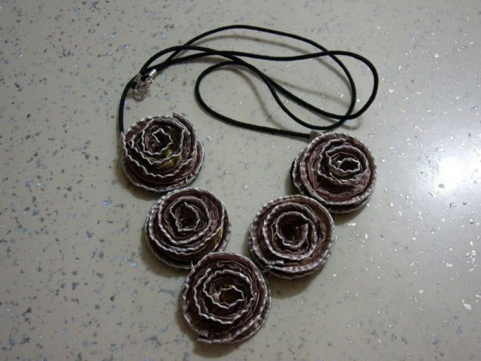 coffee capsules-tinker-with-black-roses-on-chain