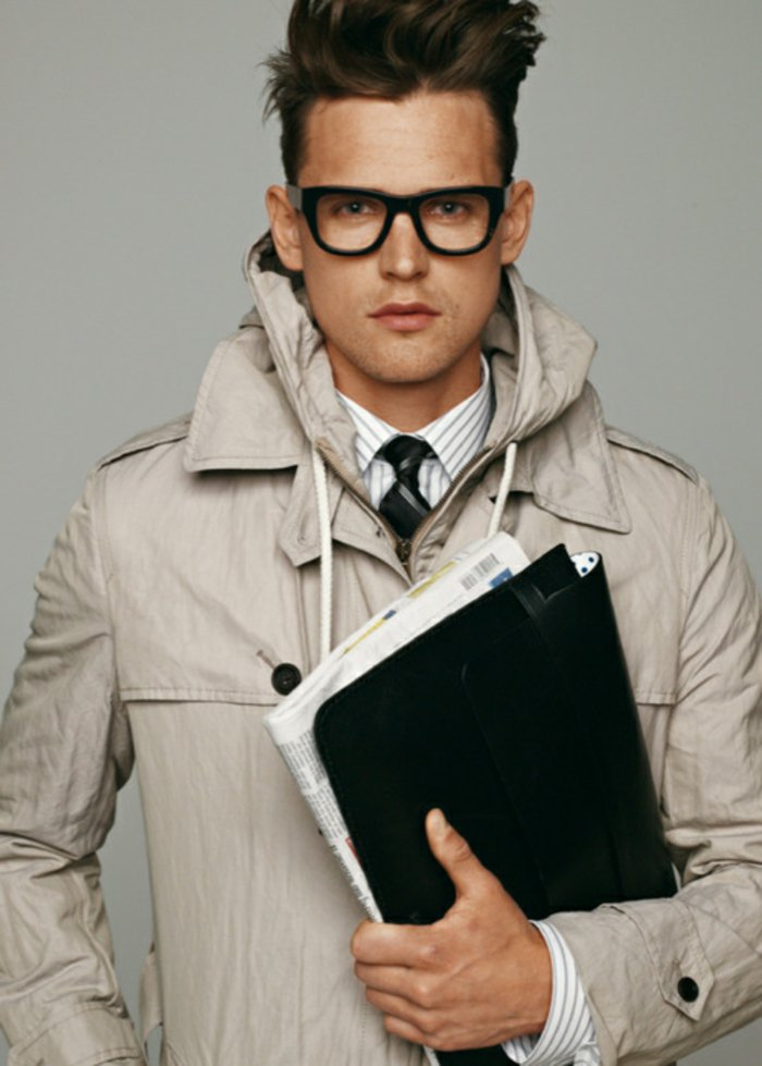 Man extravagant hairstyle-nerd-glasses-Trenchcoat