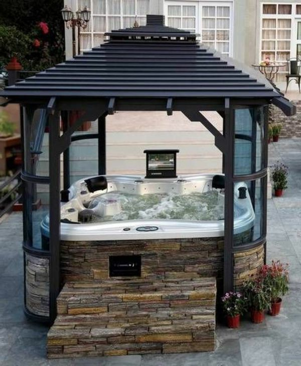 -Modern garden-with-a-jacuzzi-framing-whirlpool in the garden