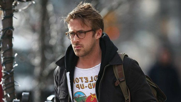 Ryan Gosling-black-jacket-symoatisches model hornbrille