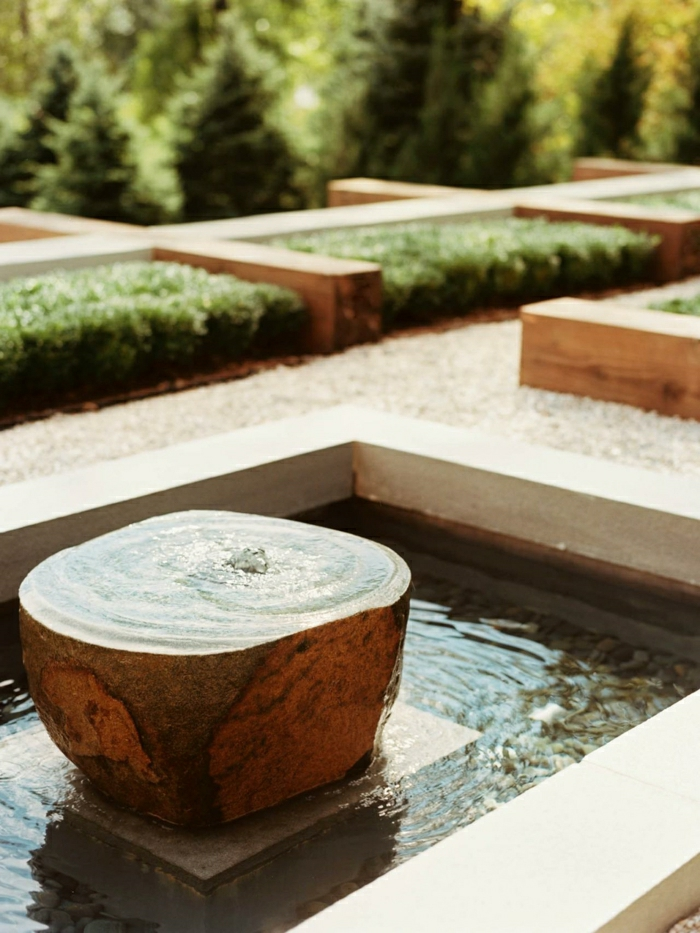 Water fountain garden-modern