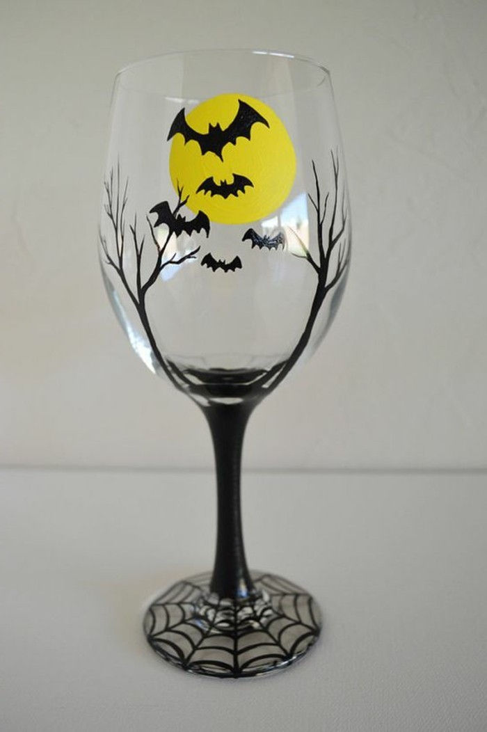 Wineglass-painted-in-Gothic style bats