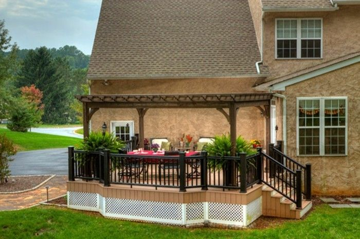 attractive design-of-pergola-of-wood-for-a-inviting-garden