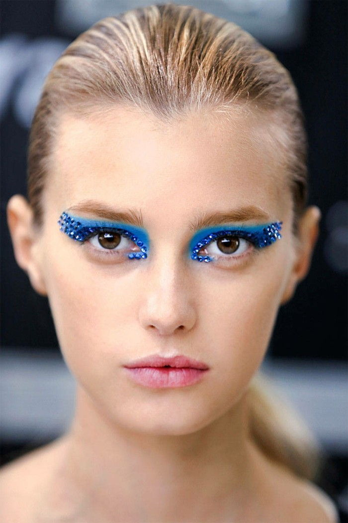 eye-make-up-fancy-colored-the-make-up of exotic look-blonde-woman