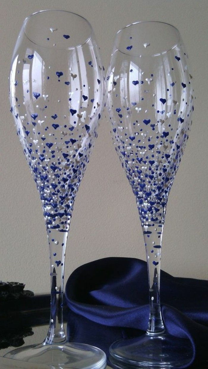 Elegant-hand-painted champagne glasses-with-heart decoration