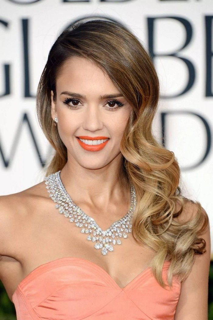 Jessica Alba with an ombre blond hairstyle elegant curls orange lipstick great dress chain jewelry