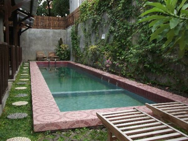 garden-pool-simple-and-luxurious-look