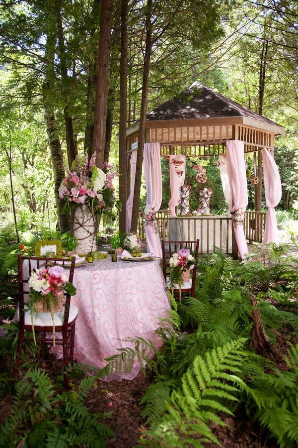 Gartendeko-ideas-for-a-fascinating-party-in-garden arbor-the-garden-garden arbor-deco