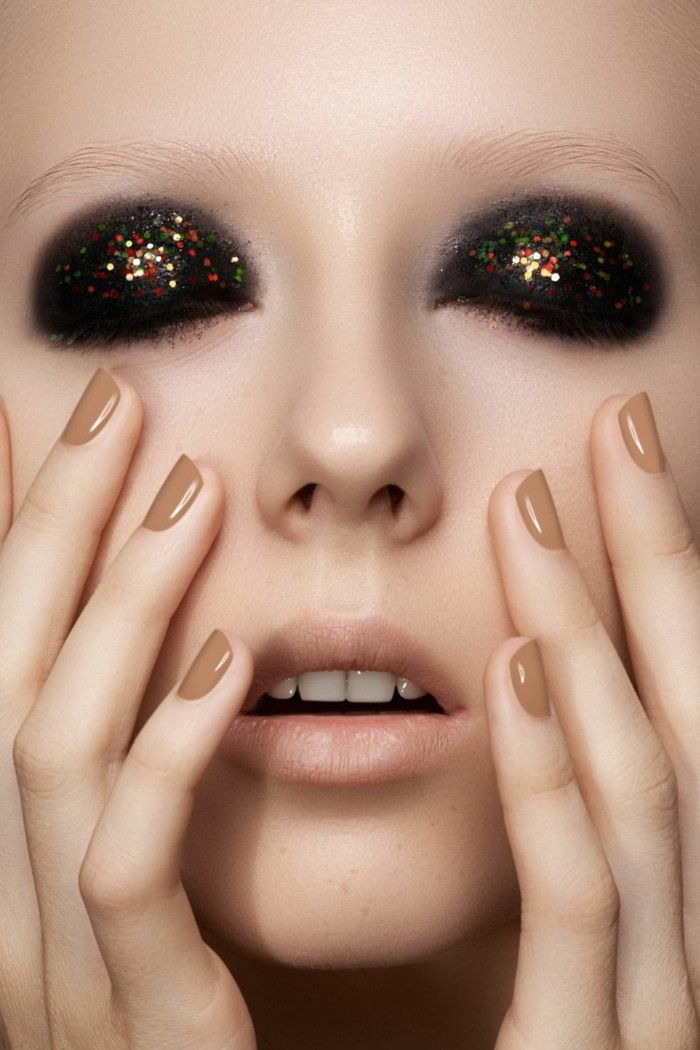 painted-eye-accent-on-eyes-dark eyeshadow-with-gloss natural tones nails-lips