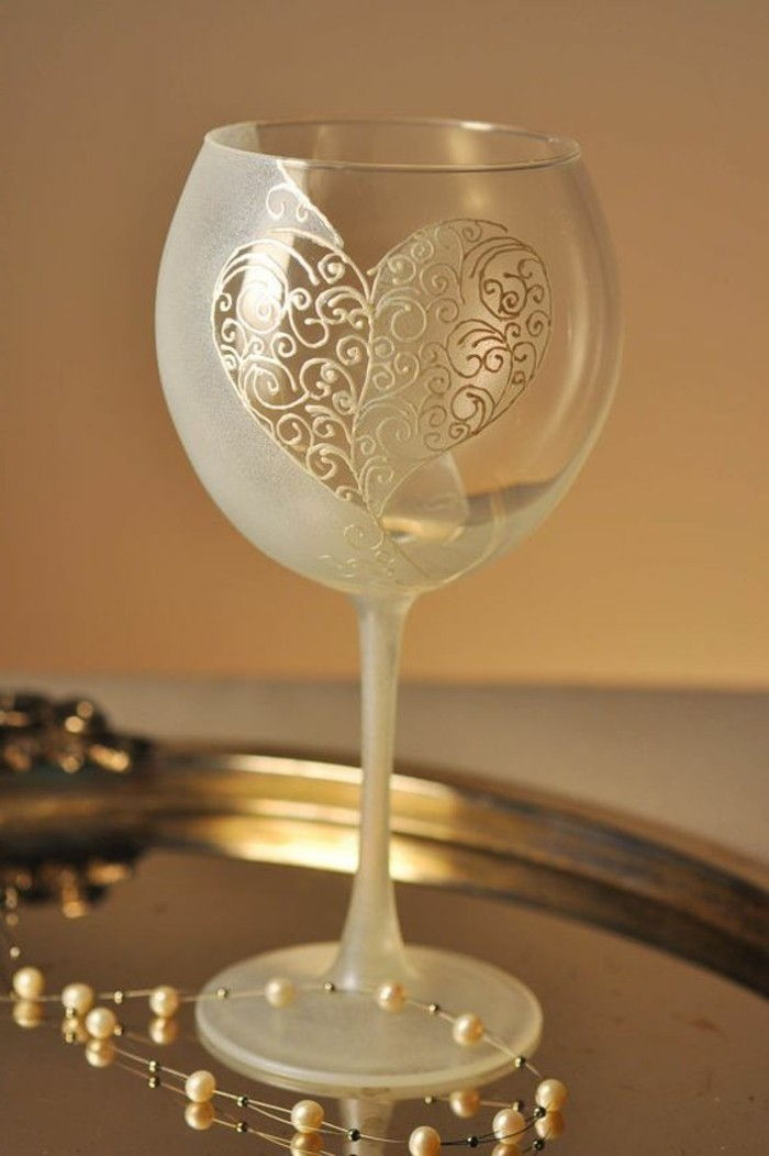 hand-painted champagne glass with Stylish Decoration