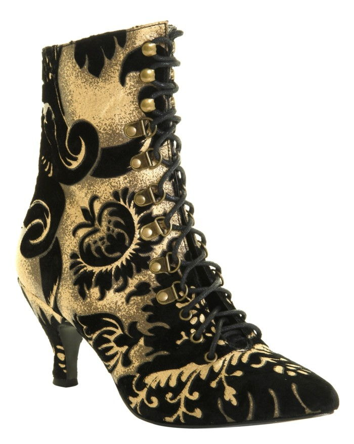 here-are-steampunk-boot-heels of leather-with-high-