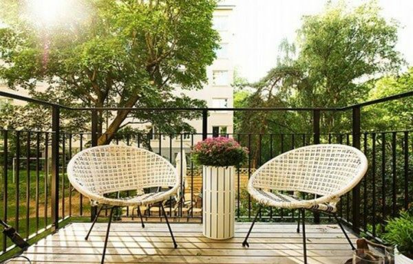 wooden terraces-modern-and-handsome-two sweet chairs