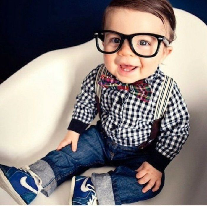 little-boy-sweet Jeans Nike sneakers Plaid Shirt nerd-glasses