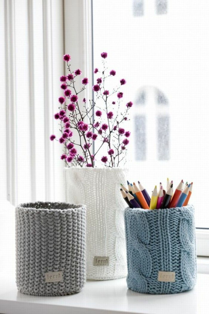 creative craft-ideas-old-tin cans Pencils-pink-flowers-window-stifthalter