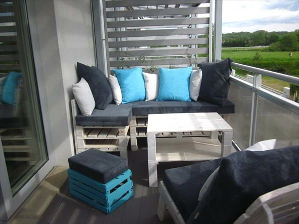 modern-balcony-with-corner seat and cushions