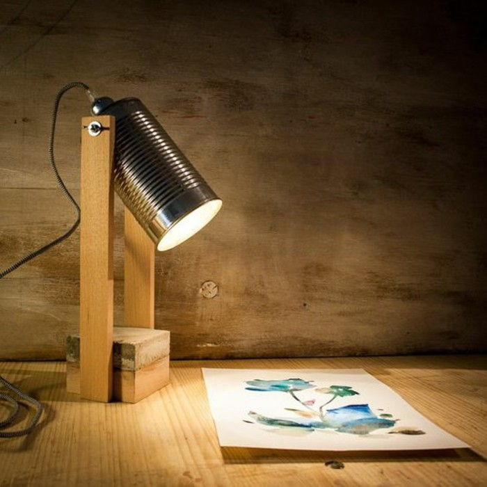 new-craft ideas-stehlampe-of-wood-and-konservendose-diy-light-flower-making