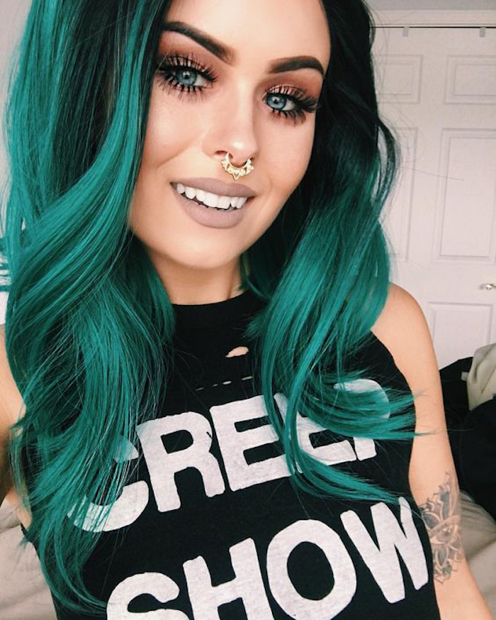 Green ombre is fancy and cheeky but looks beautiful great idea beautiful woman