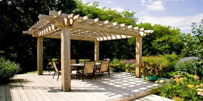 pergola-of-wood-for-a-cozy-gartengestaltung