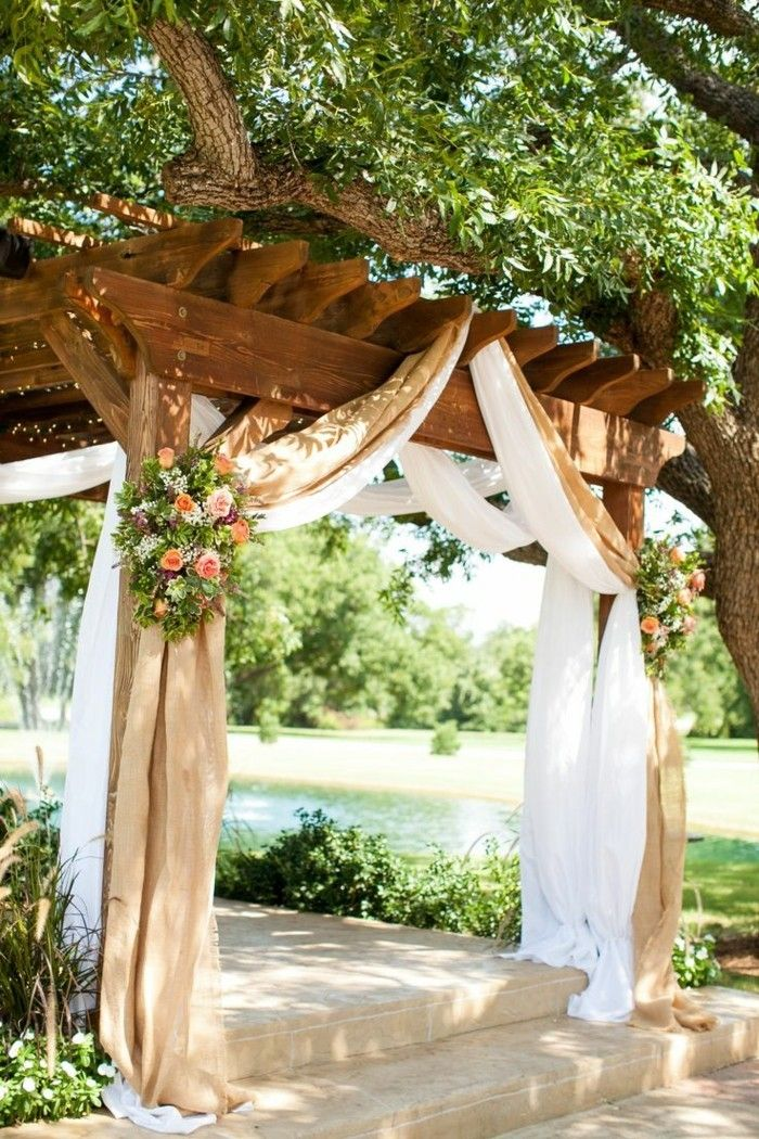 romantic-ambiance Gorgeous-design-of-pergola-from-wood