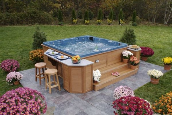 beautiful ideas-for-the-design-of-a-perfect-garden-with- whirlpool-great-idea
