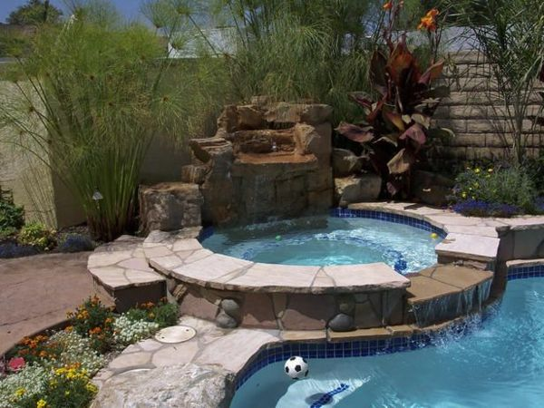 beautiful ideas-for-the-design-of-a-perfect-garden-with-round-whirlpool