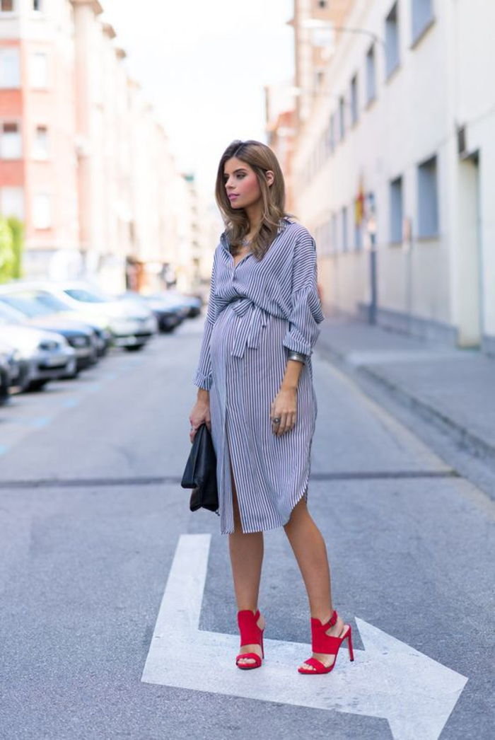 fashion shirt, dress, oversized shirt, striped, blue and white, red pumps, black leather bag