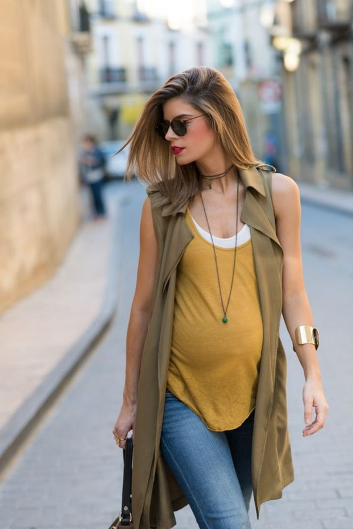 pregnancy fashion for leisure, top, jeans, vest, sunglasses