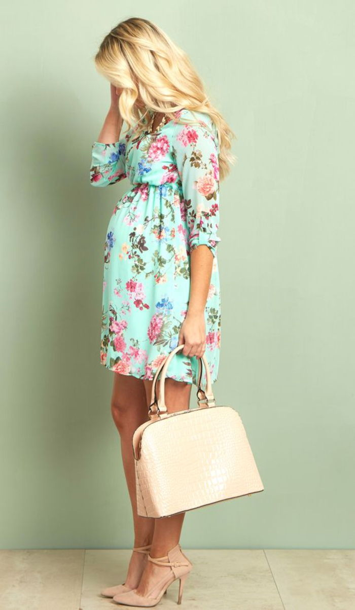 pregnancy fashion, maternity dress in light blue with flowers, bag and pumps in cream