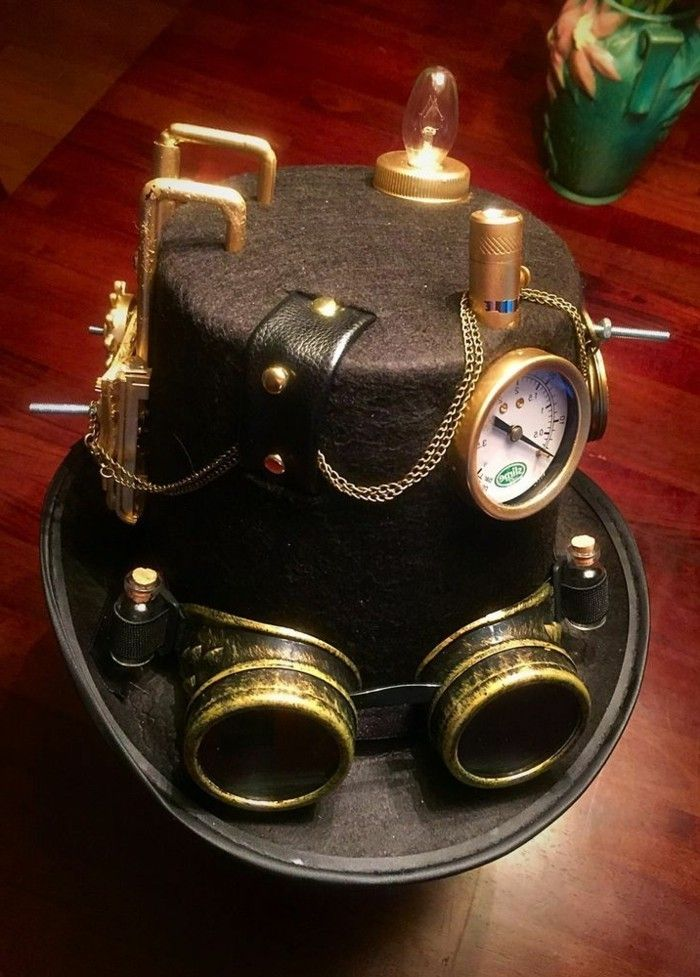 black-steampunk-hat-with-steampunk goggles
