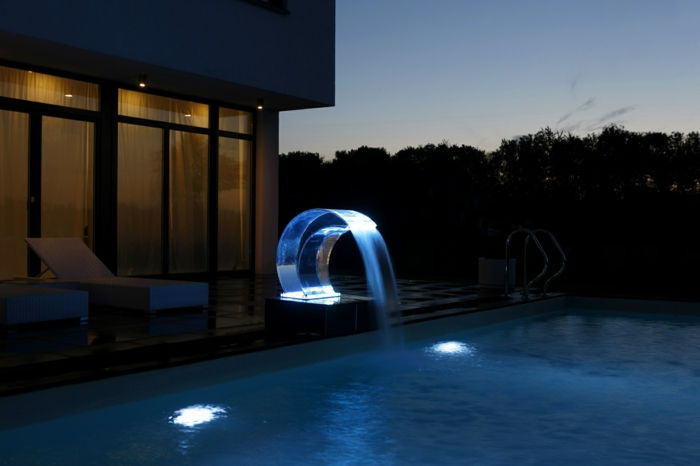 scwalldusche-pool-great-idea-to-theme-surge shower-pool