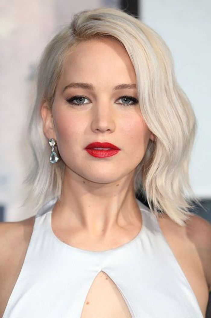 Hair dye gray - Jennifer Lawrence with red lipstick, dressed in white dress