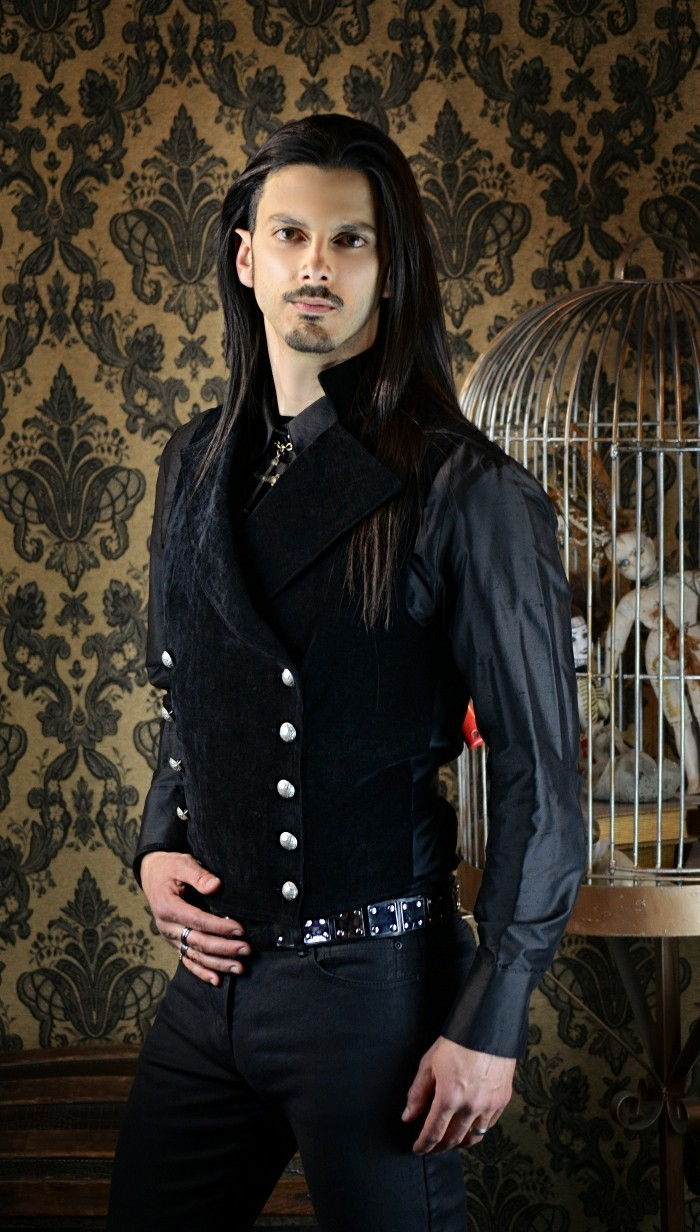 steampunk-clothes-with-black-vest