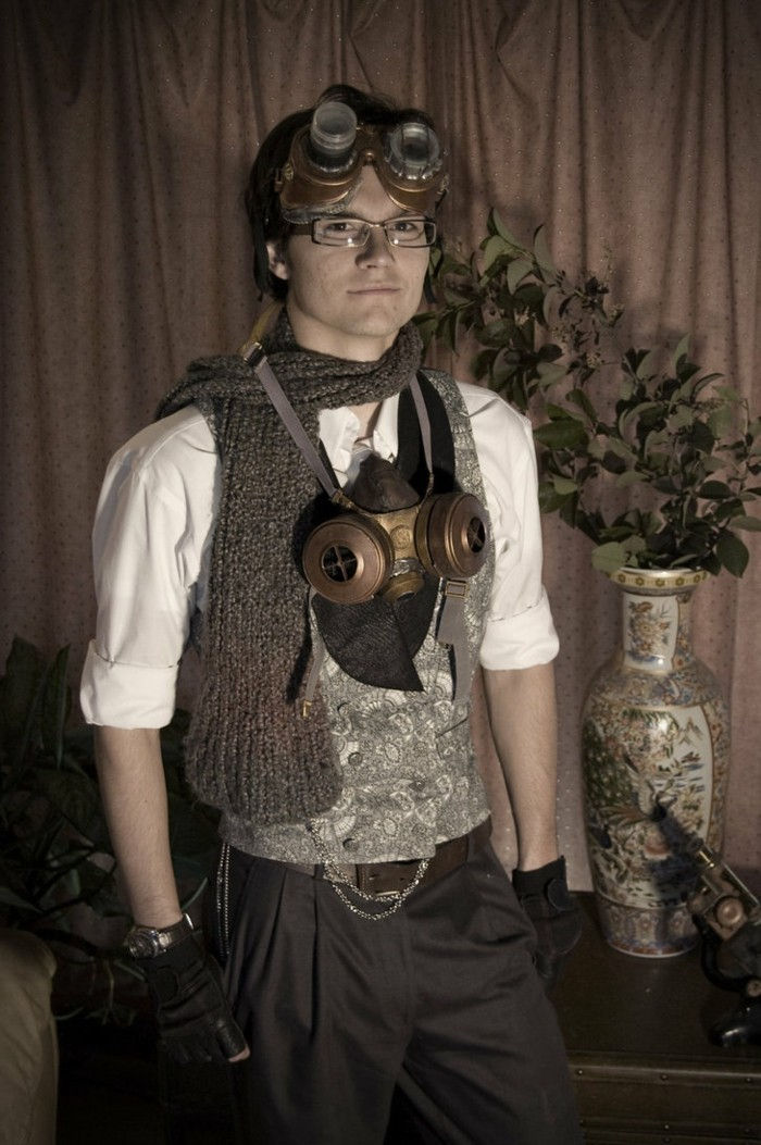 steampunk clothing scarf-vest-glasses