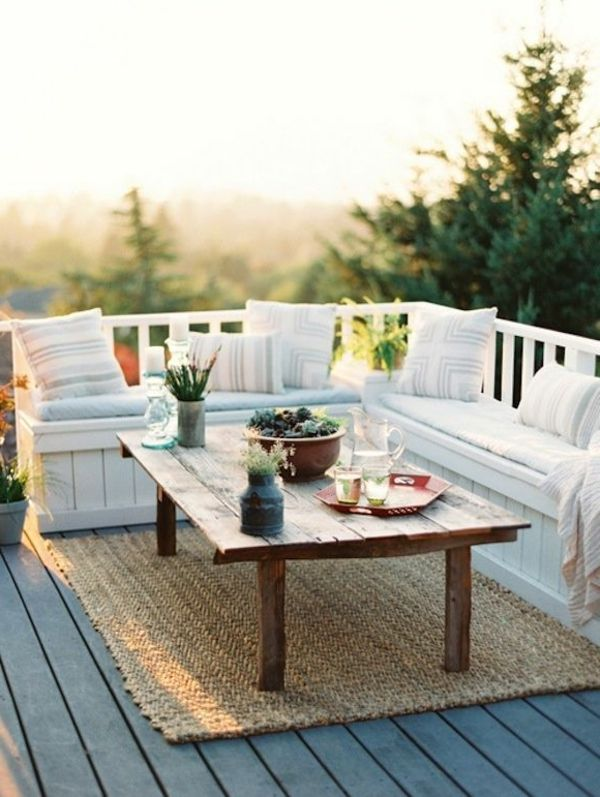super-cozy balcony-with-corner seat-in-White