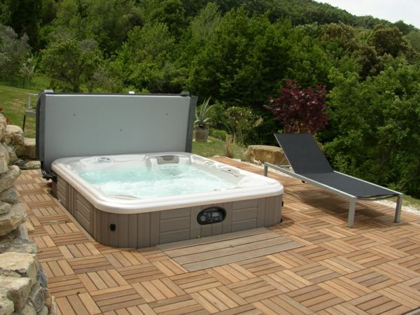 great-ideas-for-the-design-of-a-perfect-garden-with- - Jacuzzi-