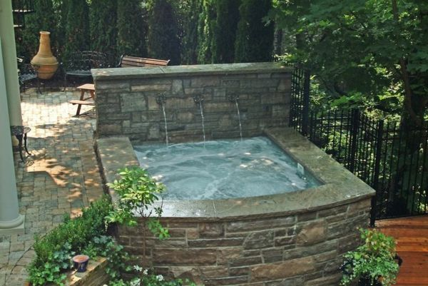 great ideas-for-the-design-a-perfect-garden-with-a-jacuzzi