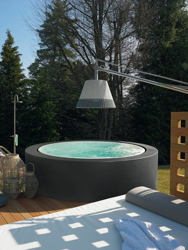 great ideas-for-the-design-a-perfect-garden-with-a-whirlpool
