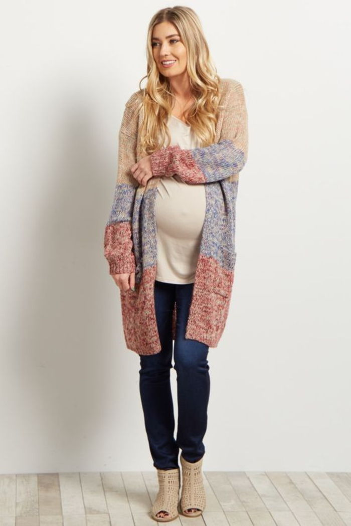 Maternity wear, top in white, long cardigan, jeans
