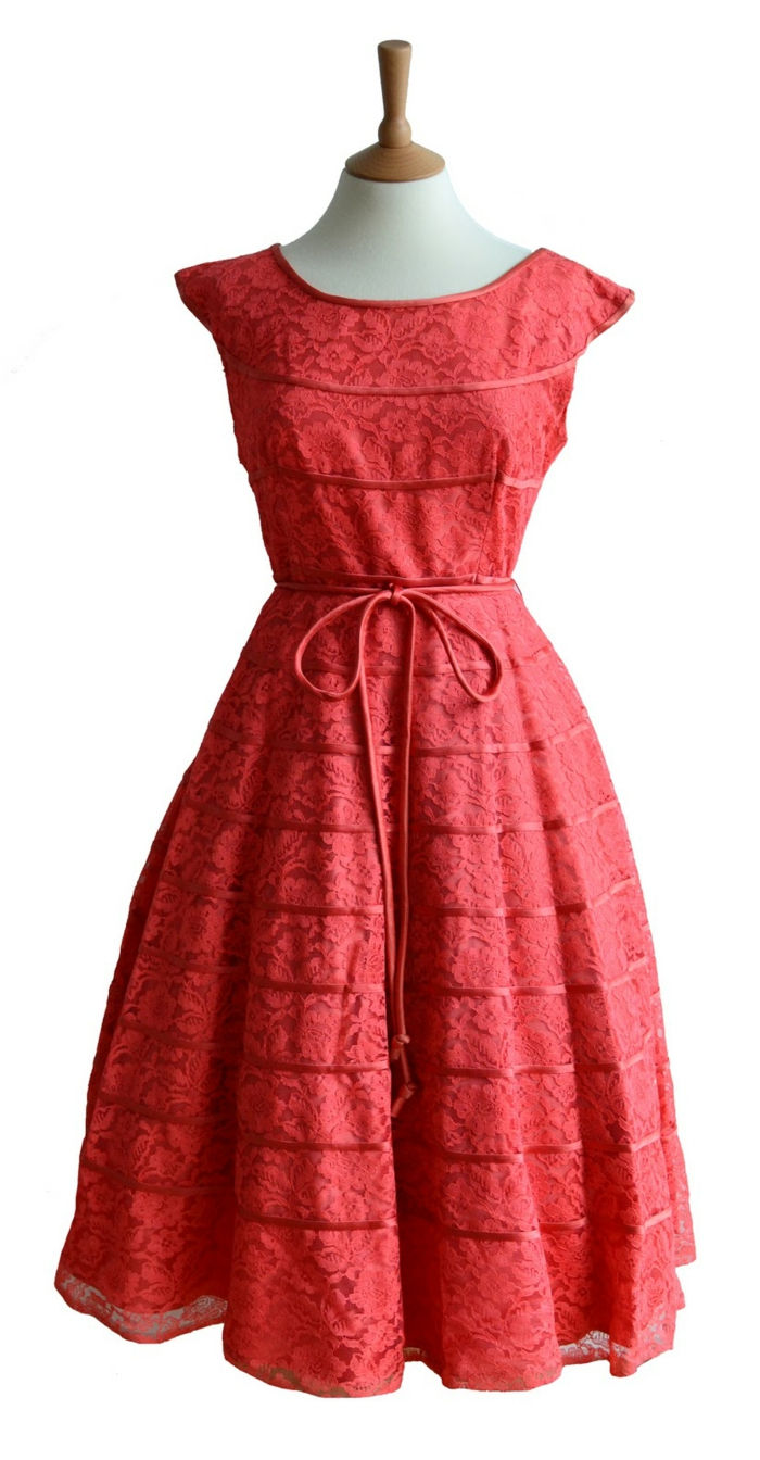 vintage clothes-interesting-photo-of-a-red-dress
